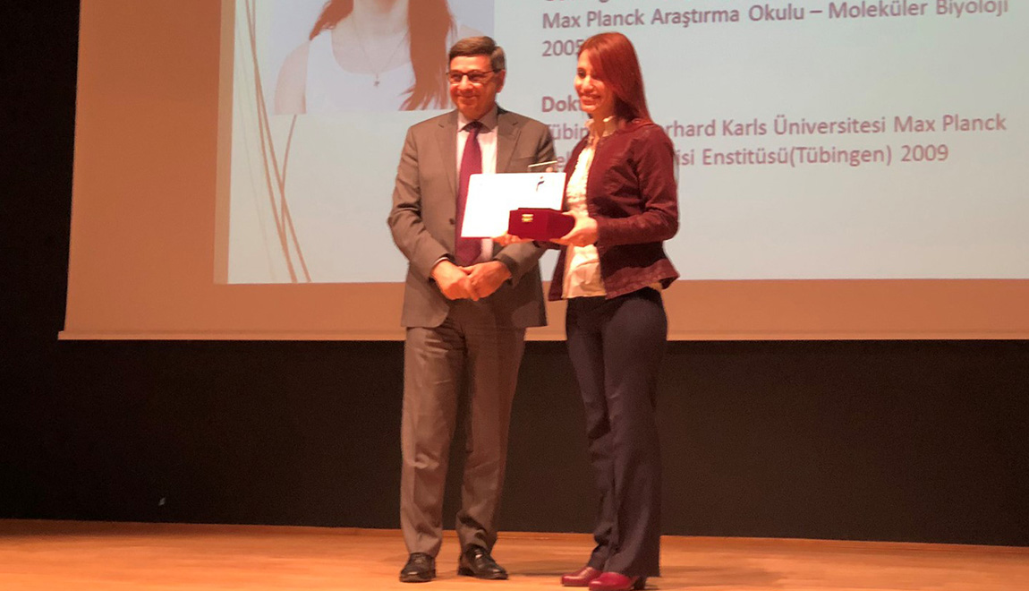 Assoc. Prof. Güneş Özhan Baykan receives Parlar Foundation Incentive Award